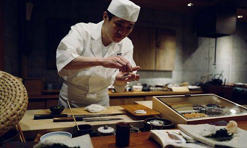 chef preparazione sushi